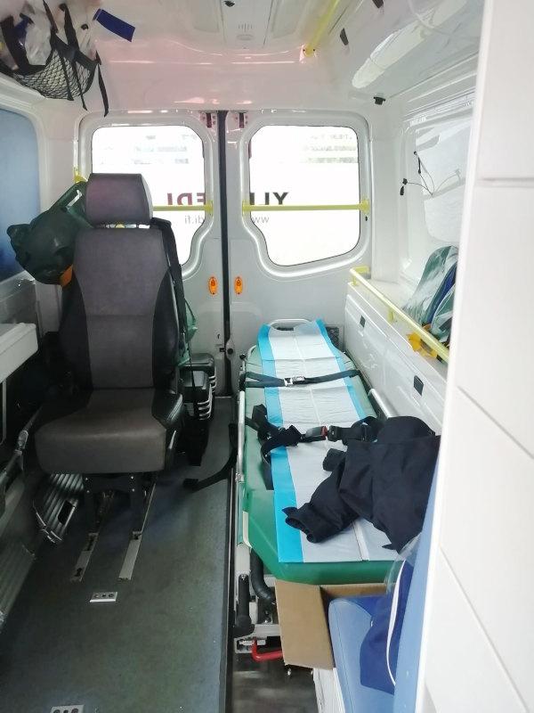 Vuokraa Ylismedi ambulanssi Ylistaro Seinäjoki, monipuolisesti varusteltuna